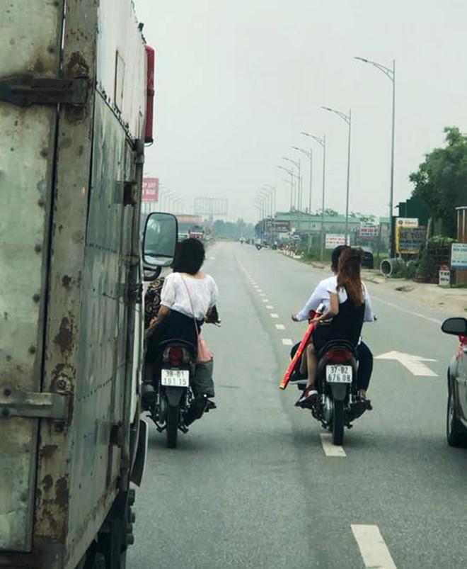Hình ảnh Nhóm thanh niên đưa dâu đầu trần dàn hàng 4, hò hét chặn đầu ô tô tải trên Quốc lộ 1 số 1
