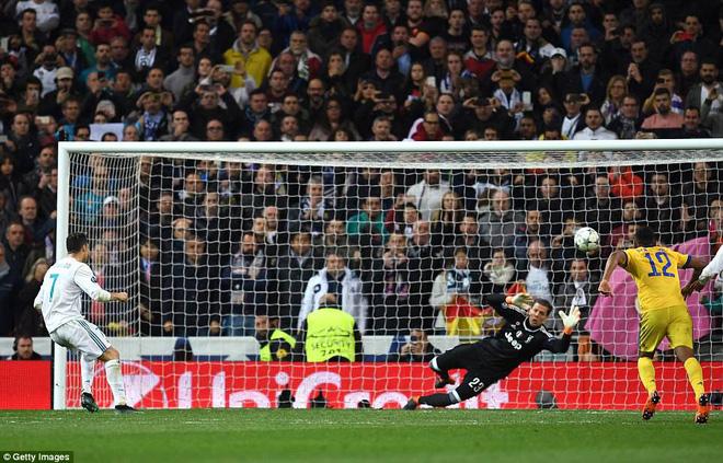Lãnh 3 cú đòn của Juventus, Real Madrid 'trở về từ cõi chết' nhờ người hùng Ronaldo 3