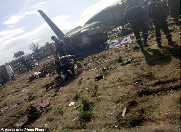 Hiện trường thảm khốc máy bay rơi khiến 257 người thiệt mạng 6