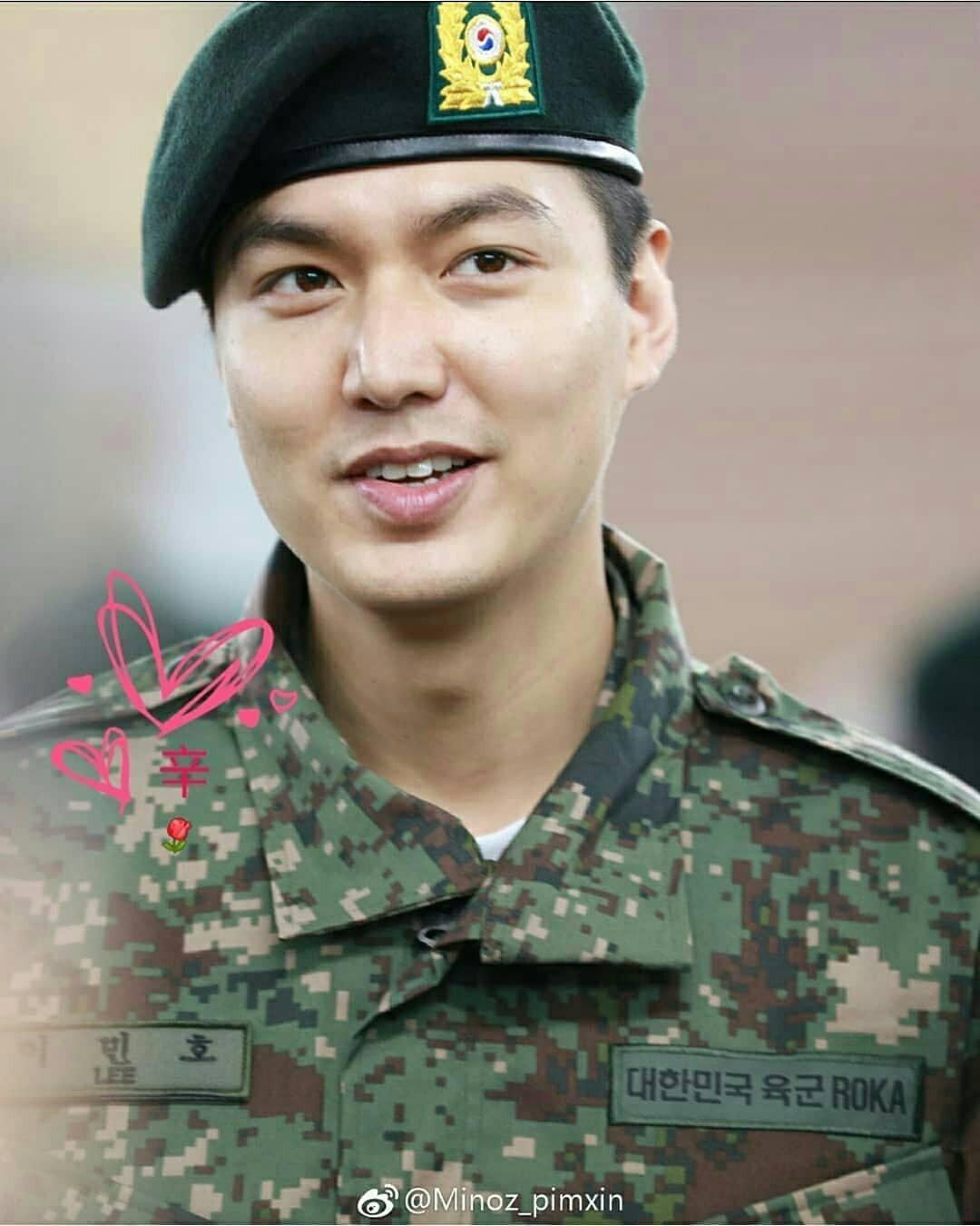 Tài tử Lee Min Ho béo phù cả mặt, nhưng vẫn điển trai với nhan sắc mộc 100\% trong quân ngũ 13
