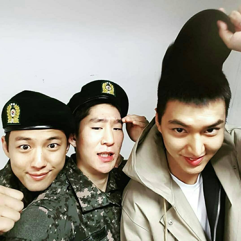 Tài tử Lee Min Ho béo phù cả mặt, nhưng vẫn điển trai với nhan sắc mộc 100\% trong quân ngũ 20