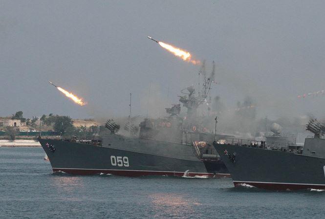 11 chiến hạm Nga đồng loạt rời cảng Syria giữa 'tâm bão' đe dọa tấn công từ Mỹ 1