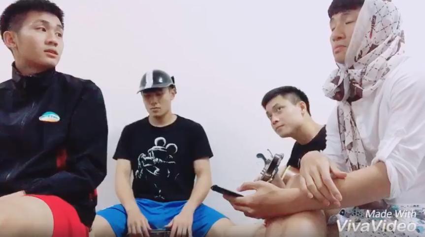 Trung vệ Bùi Tiến Dũng hóa thiếu nữ khiến fan và đồng đội bật cười 1