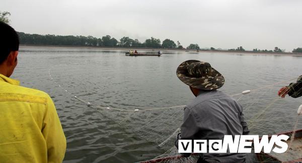 Phát hiện, vây lưới bắt Rùa Hồ Gươm khổng lồ ở Sơn Tây  3