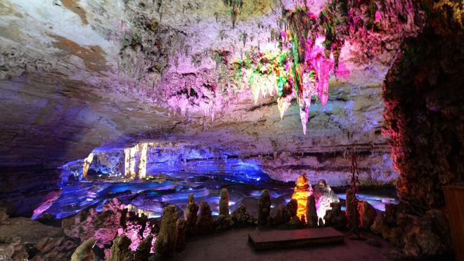 Khám phá hang động dài nhất châu Á, phát hiện nhiều sinh vật kỳ dị và cảnh tượng kỳ ảo 5