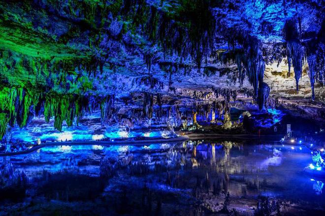 Vào hang động dài nhất châu Á, phát hiện nhiều sinh vật kỳ dị và cảnh tượng kỳ ảo 11