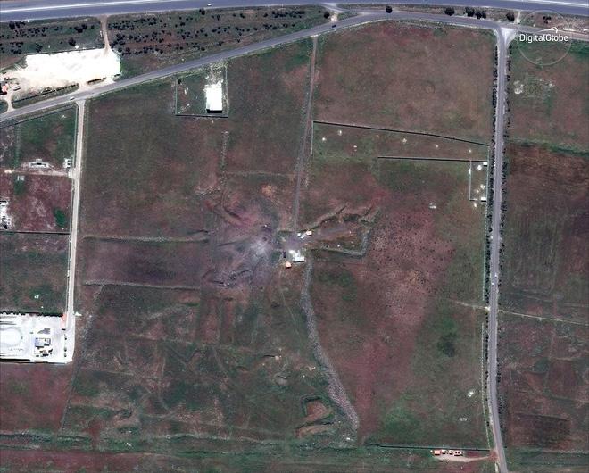 Hình ảnh vệ tinh mới nhất chứng minh Syria đã thiệt hại nặng nề sau vụ tấn công ngày 14/4 - Ảnh 3.
