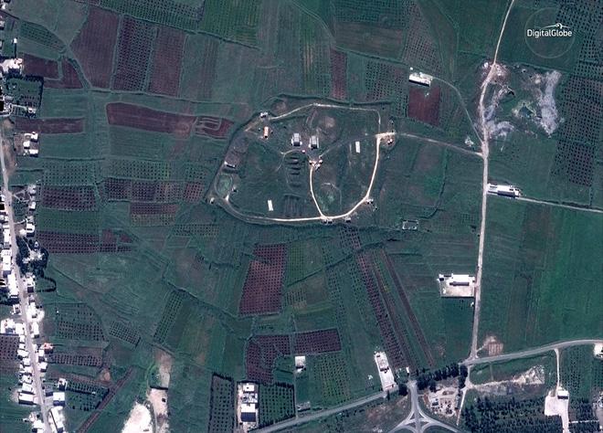 Hình ảnh vệ tinh mới nhất chứng minh Syria đã thiệt hại nặng nề sau vụ tấn công ngày 14/4 - Ảnh 4.