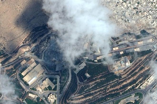 Hình ảnh vệ tinh mới nhất chứng minh Syria đã thiệt hại nặng nề sau vụ tấn công ngày 14/4 - Ảnh 7.
