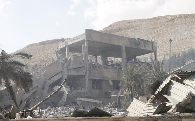 Hé lộ lý do hàng loạt tên lửa của liên quân Mỹ, Anh, Pháp bị đánh chặn ở Syria 1