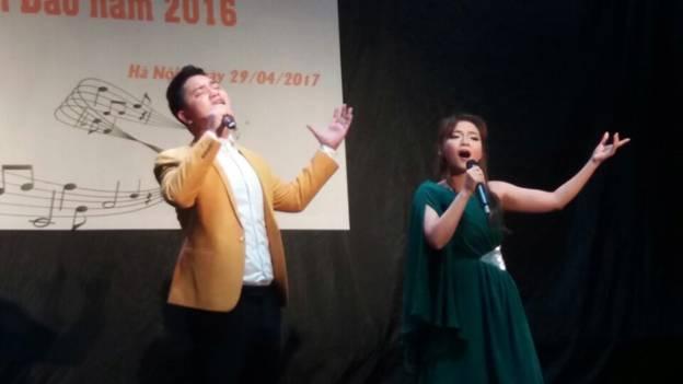 Hình ảnh Khám phá hội bạn thân thiết của nữ ca sĩ Trần Ngọc Bảo số 2
