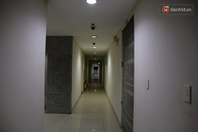 Cuộc sống u tối, lạnh lẽo của những cư dân bám trụ chung cư Carina sau vụ cháy 13 người chết - Ảnh 7.