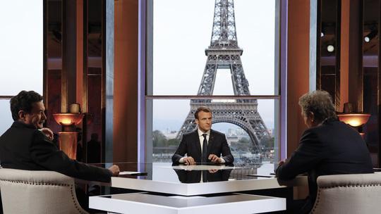 Hình ảnh Tổng thống Pháp thuyết phục Trump không nên rút quân khỏi Syria số 1