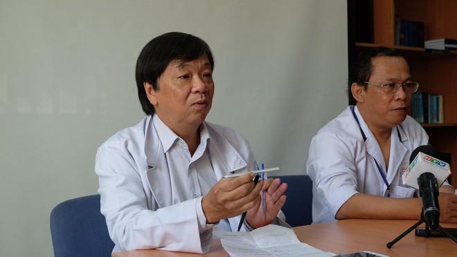 """TP.HCM: Bác sĩ BV Nhi Đồng 1 dùng kỹ thuật """"chưa thực hiện trong đời bao giờ"""" cứu lá lách bé trai 3 tuổi 2"""