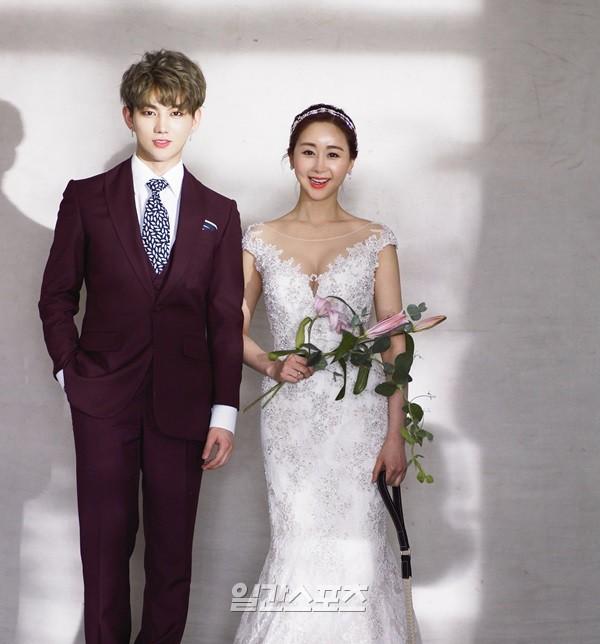 Bị gia đình phản đối, Hoa hậu gợi cảm Hàn Quốc vẫn cưới hot boy đáng tuổi cháu - Ảnh 3.