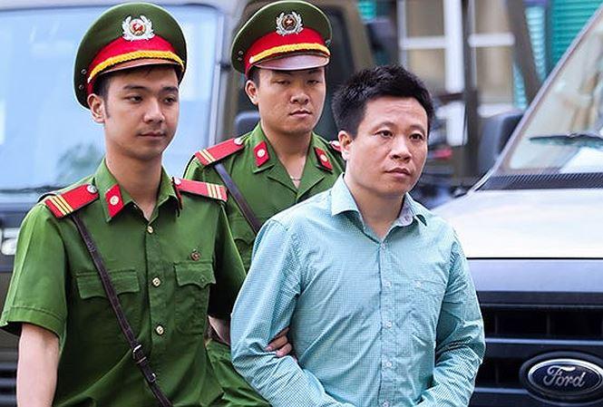 Sáng nay, Hà Văn Thắm và gần 30 cựu lãnh đạo OceanBank tiếp tục hầu tòa phúc thẩm 1