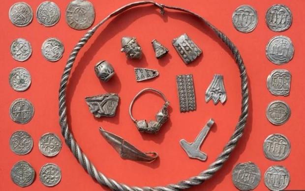 Cậu bé 13 tuổi bất ngờ phát hiện kho báu của vua Bluetooth thế kỷ 10 1