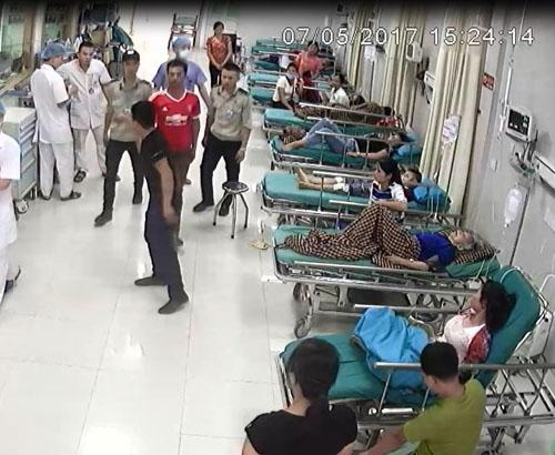 Nhiều bệnh viện nhờ công an cắm chốt, lập đường dây nóng với cảnh sát và huy động bảo vệ 3