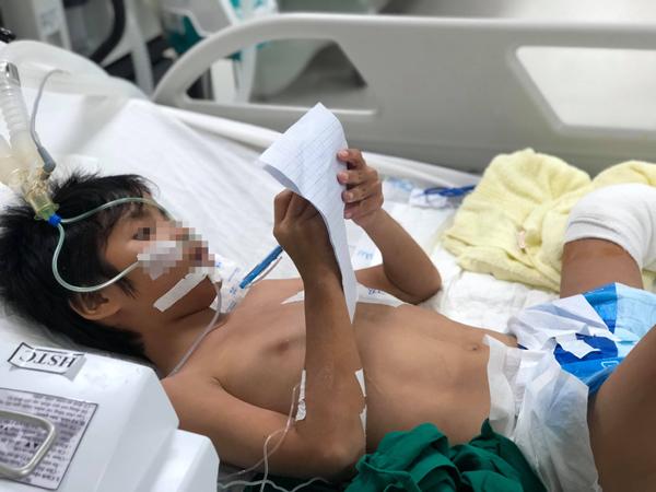 Té xe đạp, bé trai suýt chết vì bị vi khuẩn tụ cầu vàng 'ăn' vào tim 2
