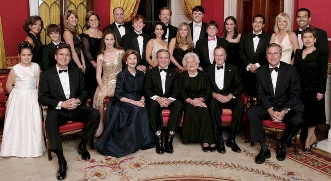 """Mối tình trong mơ 77 năm yêu trọn vẹn, thủy chung của vợ chồng cựu Tổng thống Mỹ George Bush """"cha"""" 7"""