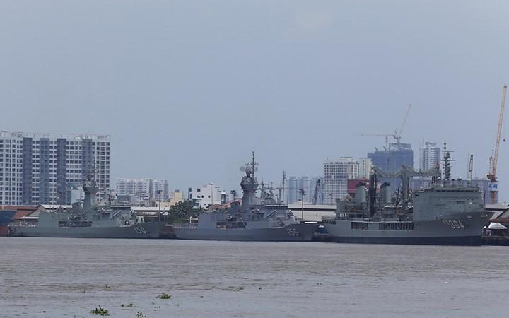 Cận cảnh 3 chiến hạm Hải quân Hoàng gia Australia cập cảng TP.HCM 1