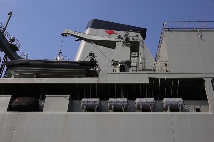 Cận cảnh 3 chiến hạm Hải quân Hoàng gia Australia cập cảng TP.HCM 4
