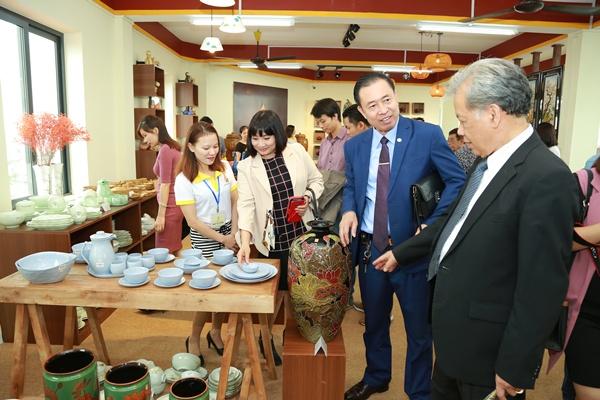Hướng đi mới cho làng nghề: Ra mắt chuỗi cửa hàng gốm sứ nhượng quyền thương hiệu đầu tiên 2