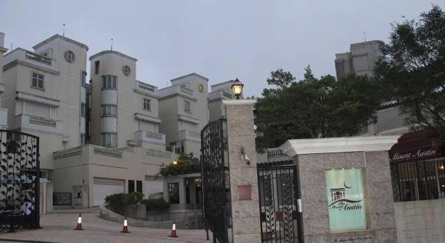 Cuộc sống xa hoa, tiền tiêu như nước của mỹ nhân TVB: Chồng hứa thưởng 300 tỷ nếu sinh con 7
