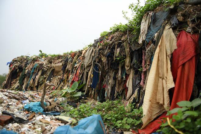 Về Đa Lộc xem núi rác treo lơ lửng trên rừng phòng hộ 8