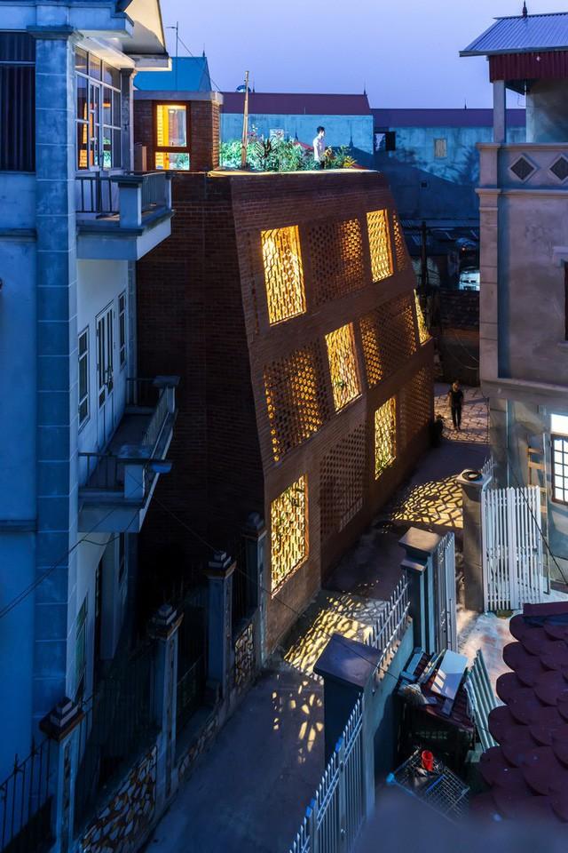 Hang Gạch: Ngôi nhà ở Hà Nội được báo Mỹ gọi là kiệt tác kiến trúc - Ảnh 12.