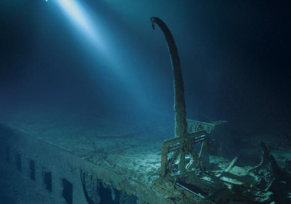 Lặn sâu 4.000m xuống đáy biển, khám phá thế giới chưa từng kể của tàu Titanic huyền thoại 5