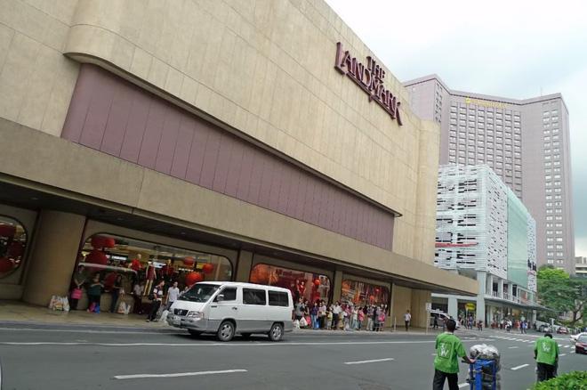 Hình ảnh điều kiện tồi tàn mà nhân viên một trung tâm thương mại nổi tiếng Philippines phải chịu gây phẫn nộ cộng đồng mạng 1