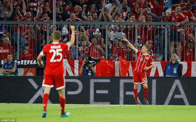 Ronaldo 'lặn sâu', Real Madrid vẫn suýt 'giải quyết gọn' Bayern Munich ngay lượt đi 5