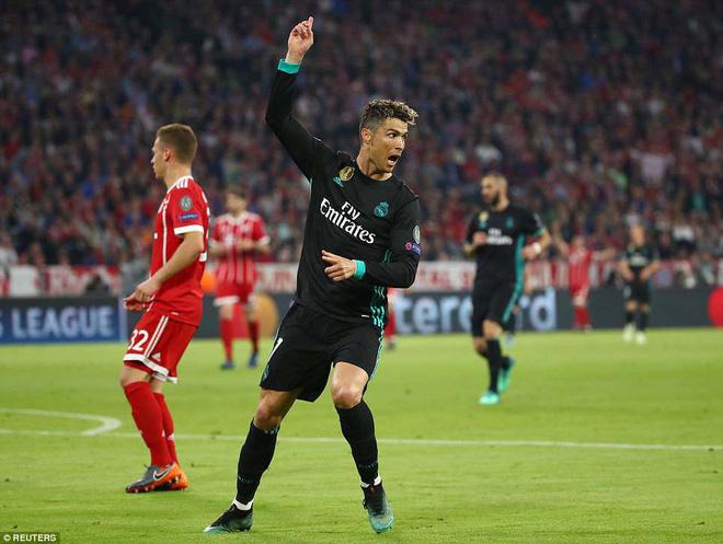 Ronaldo 'lặn sâu', Real Madrid vẫn suýt 'giải quyết gọn' Bayern Munich ngay lượt đi 15
