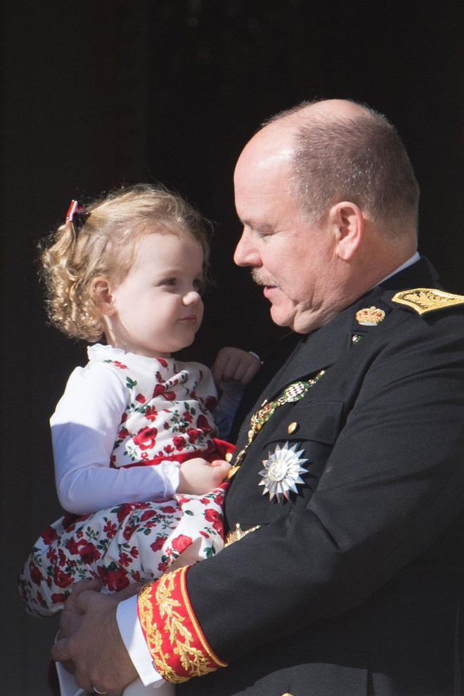 Không chỉ Hoàng gia Anh, còn rất nhiều tiểu Hoàng tử và Công chúa trên thế giới khiến ai cũng xuýt xoa vì dễ thương 11
