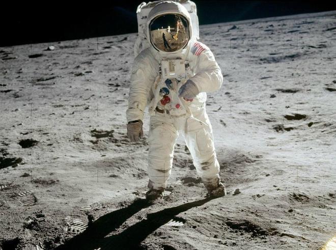 Bức điếu văn chưa bao giờ được tiết lộ trong câu chuyện tàu Apollo 11 huyền thoại hạ cánh xuống mặt trăng 1