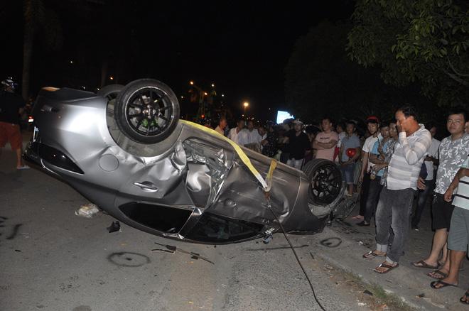 Ô tô gây tai nạn liên hoàn trong đêm 30/4 ở Đồng Nai: 6 người trong một gia đình gặp nạn 3