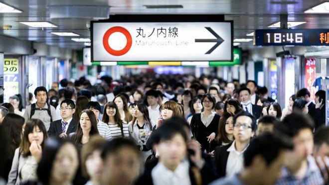 Tranh cãi quanh toa tàu dành riêng cho phụ nữ ở Nhật Bản: Sự an toàn cho phái yếu hay sự bất công cho phái mạnh? 5
