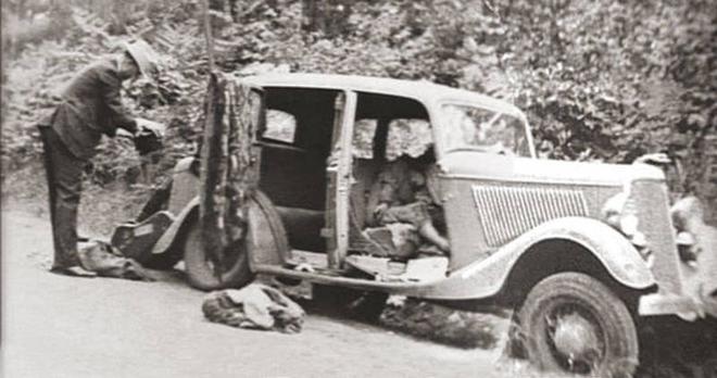 Bonnie và Clyde: Cặp sát thủ nổi tiếng khiến nước Mỹ khiếp sợ, chết đi mới hoàn thành tâm nguyện, được hàng ngàn người đưa tang 8