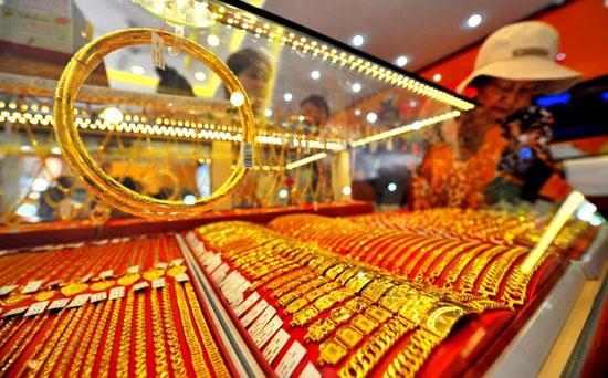 Hình ảnh Giá vàng hôm nay 4/5/2018: Có tín hiệu tăng nhẹ khi đồng USD suy yếu số 1