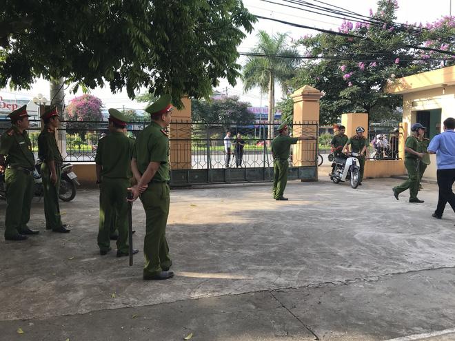 Đang xét xử vụ 8 người tử vong trong khi chạy thận tại Hoà Bình 6