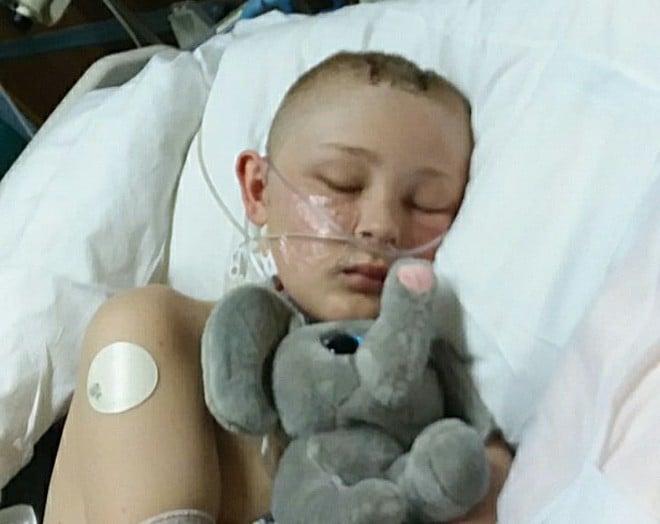 Cậu bé 13 tuổi chết não, không thể qua khỏi bỗng tỉnh dậy sau khi bố mẹ ký vào tờ giấy này 3