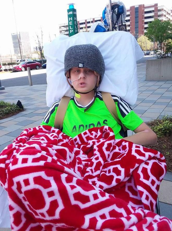 Cậu bé 13 tuổi chết não, không thể qua khỏi bỗng tỉnh dậy sau khi bố mẹ ký vào tờ giấy này 5