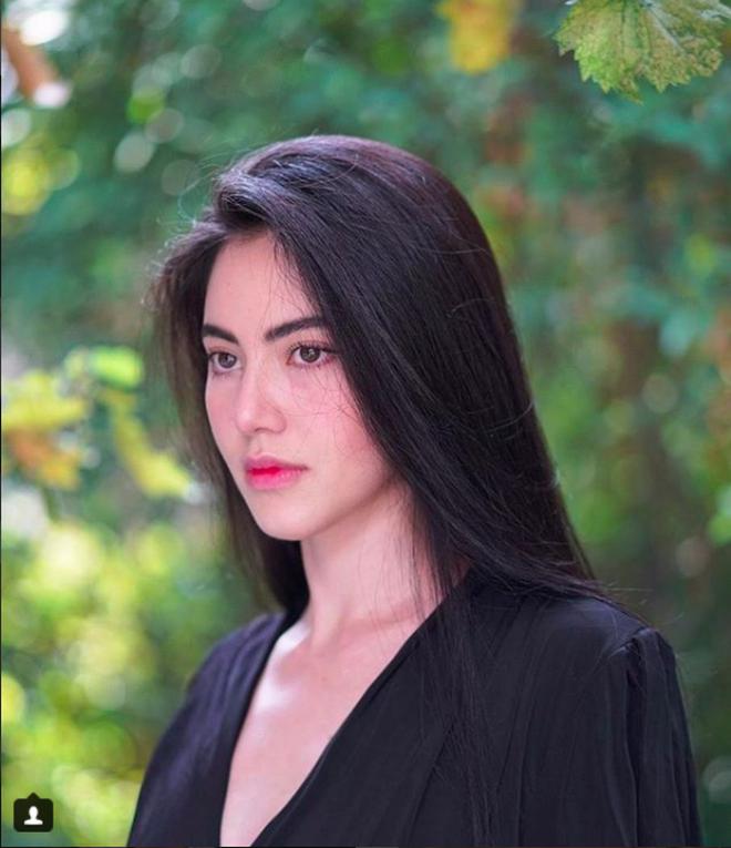 Trọn vẹn sắc vóc cùng gu thời trang 'không phải dạng vừa' của nhân vật nữ trong MV mới Sơn Tùng MT-P 4