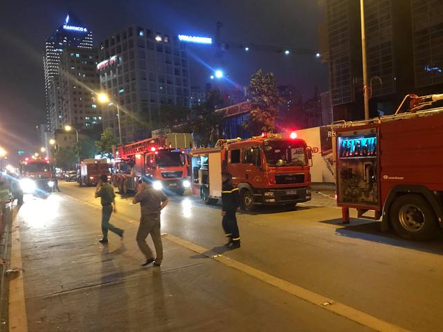 Hà Nội: Cháy toà nhà MB Grand Tower trên đường Lê Văn Lương 2
