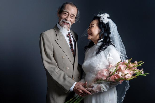 Chuyện tình 'Ông bà anh' bản đời thực của đôi nghệ sĩ Thanh Dậu và Mạnh Dung: 50 năm vẫn rơi nước mắt khi nhắc nhớ kỉ niệm 1