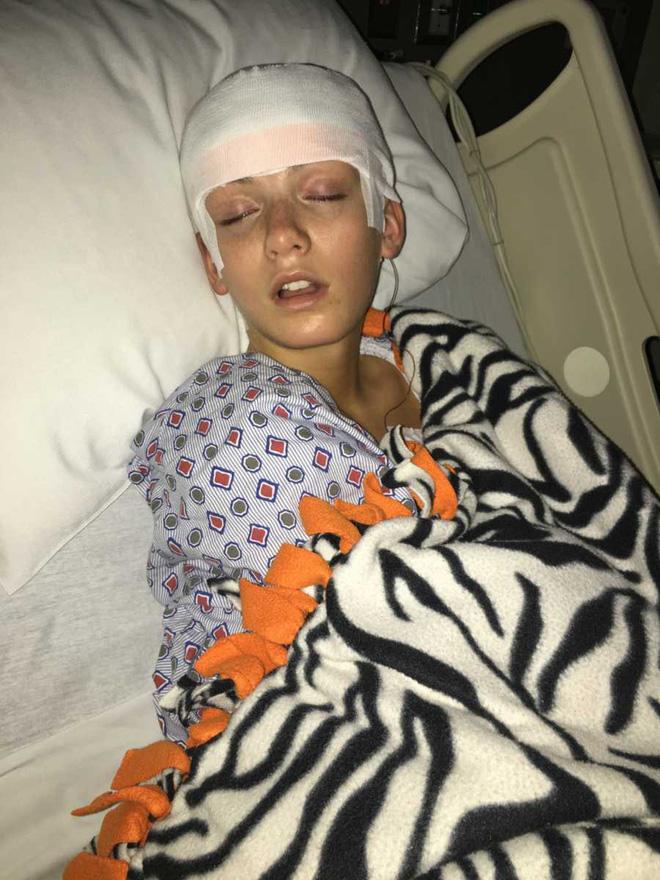 Con gái than đau đầu dữ dội từ khi 3 tuổi nhưng phải nhiều năm sau, gia đình mới biết được sự nguy hiểm mà con đang gặp 3