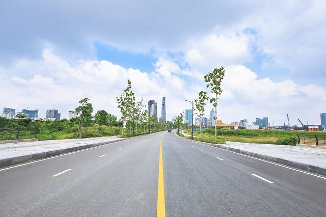 Cận cảnh con đường 'dát kim cương' với chi phí 1.000 tỷ đồng/km của Đại Quang Minh 15