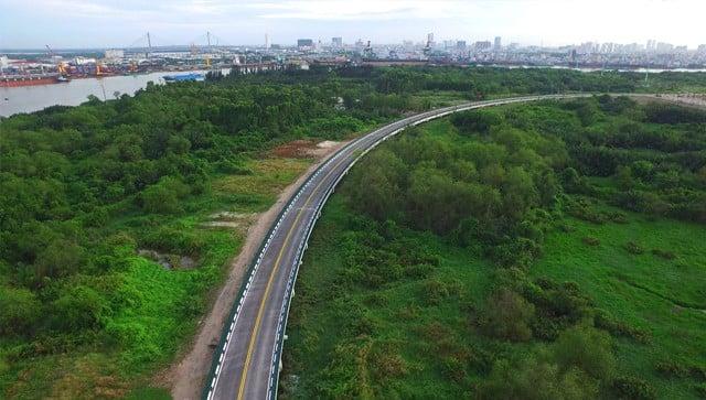 Cận cảnh con đường 'dát kim cương' với chi phí 1.000 tỷ đồng/km của Đại Quang Minh 20