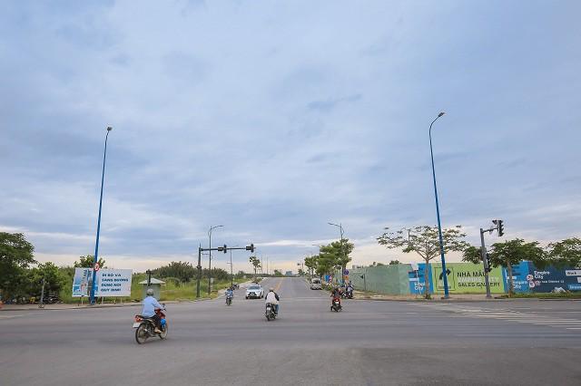 Cận cảnh con đường 'dát kim cương' với chi phí 1.000 tỷ đồng/km của Đại Quang Minh 12